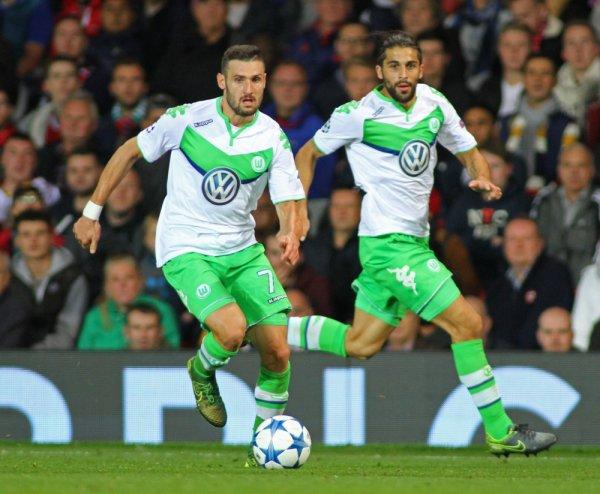 Caligiuri-Rodriguez-Wolfsburg-001